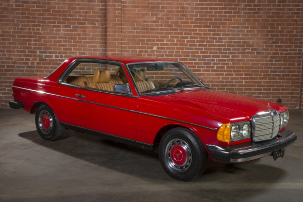 Mercedes motoring 1979 300cd diesel coupe for Mercedes benz c123 for sale