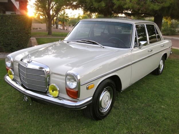 mercedes motoring 1969 220d diesel sedan. Black Bedroom Furniture Sets. Home Design Ideas