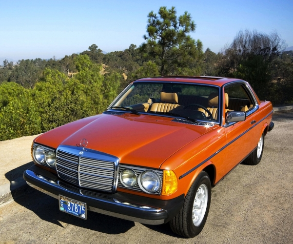 Mercedes motoring 1980 300cd diesel coupe for Mercedes benz c123 for sale
