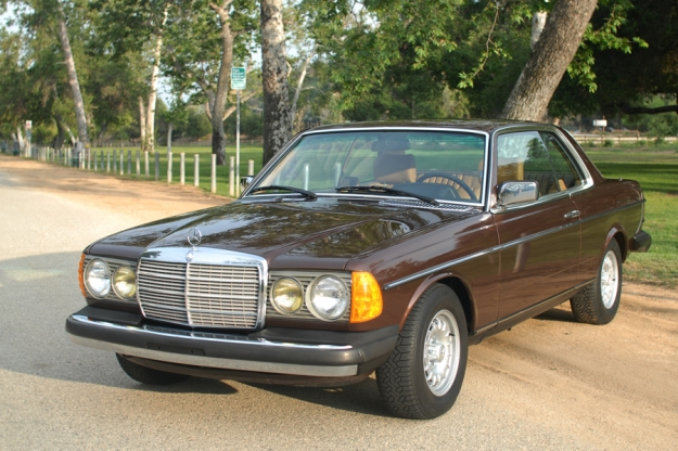 Mercedes motoring 1980 300cd diesel coupe for Garage mercedes bron