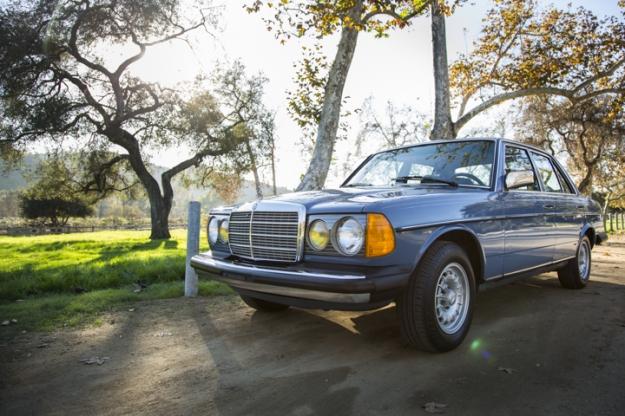 Mercedes Motoring - 1983 300D Turbo Diesel Sedan