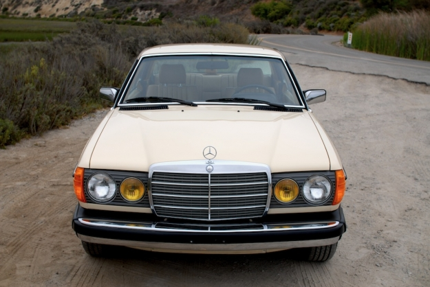 Mercedes Motoring - 1985 300CD Turbo Diesel Coupe